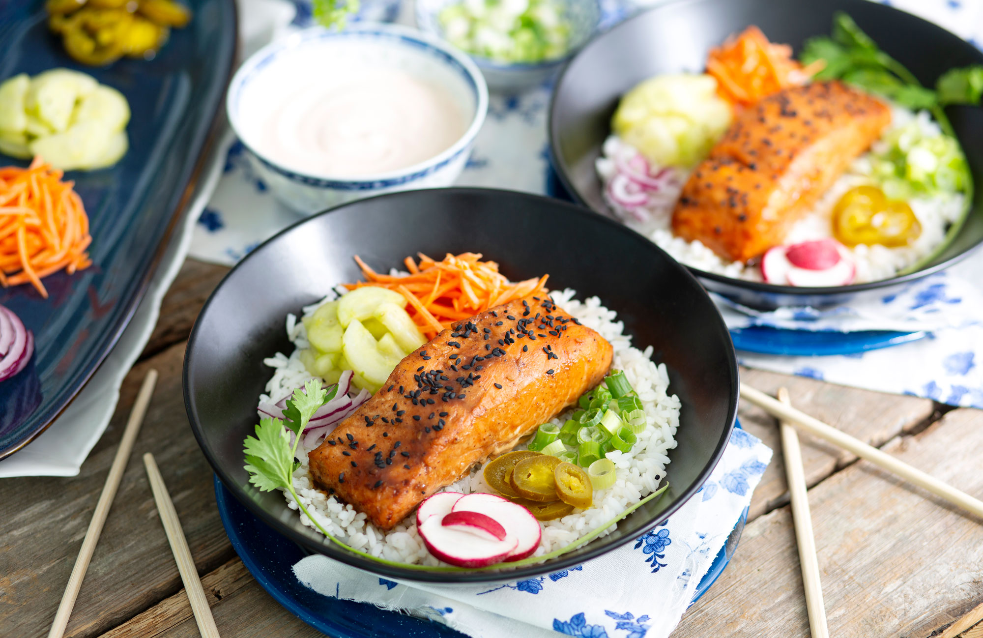 Korean salmon bowls hzntl